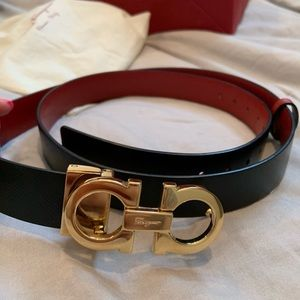 Salvatore Ferragamo, Gancini reversible belt